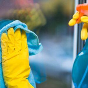 Curățare Geamuri și Fațade